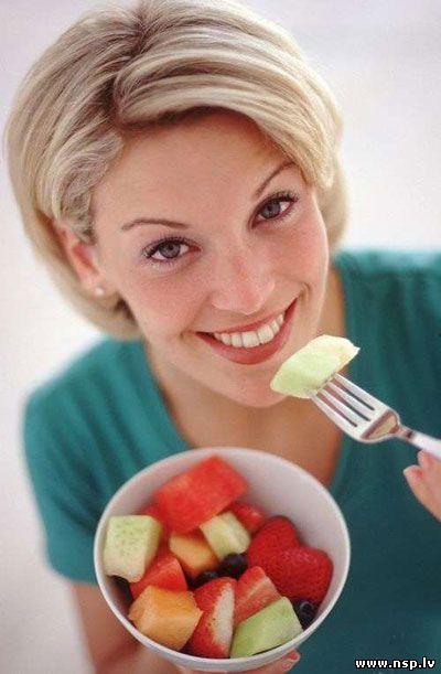 Правильное питание - Как правильно питаться - Здоровое питание Белки Жиры Углеводы Счастливый Здоровый Человек Женщина Девушка Фрукты Овощи Еда Витамины Минералы Вода Здоровье Здоровый Образ Жизни